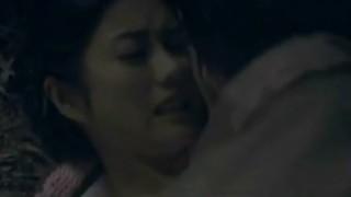 石原さとみ 映画「月光ノ仮面」で巨乳鷲掴み