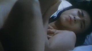 三原じゅん子(女優)映画「嵯峨野の宿」での乳首丸出しお宝ヌード濡れ場セックス
